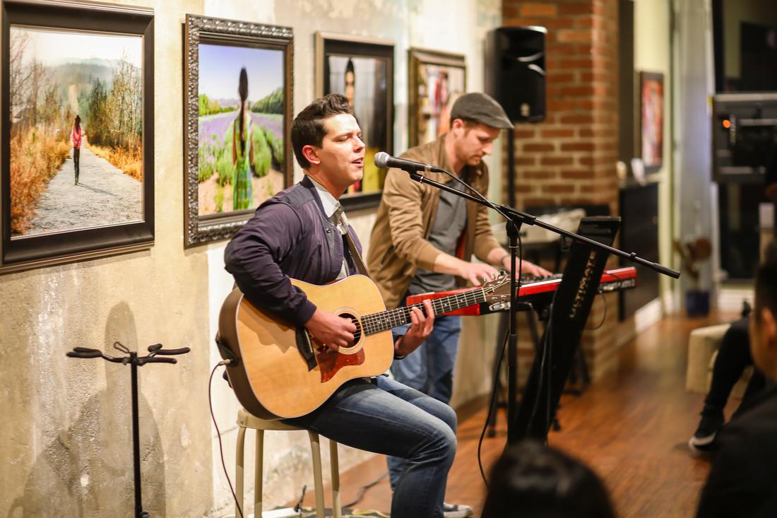 Last Fridays Songwriter Night Group Photo